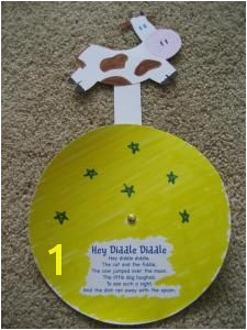 cow jumps over the moon Could make with a small paper plate Rhyming Preschool
