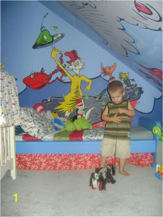 dr seussery we used ikea furniture and lots of seuss murals I painted with my two eldest children D Cute room ideas Pinterest