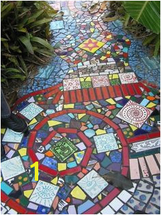 Garden ideas Pretty DIY mosaic projects for the garden Check out this and my other garden mosaic ideas These mosaic projects will add style and class to