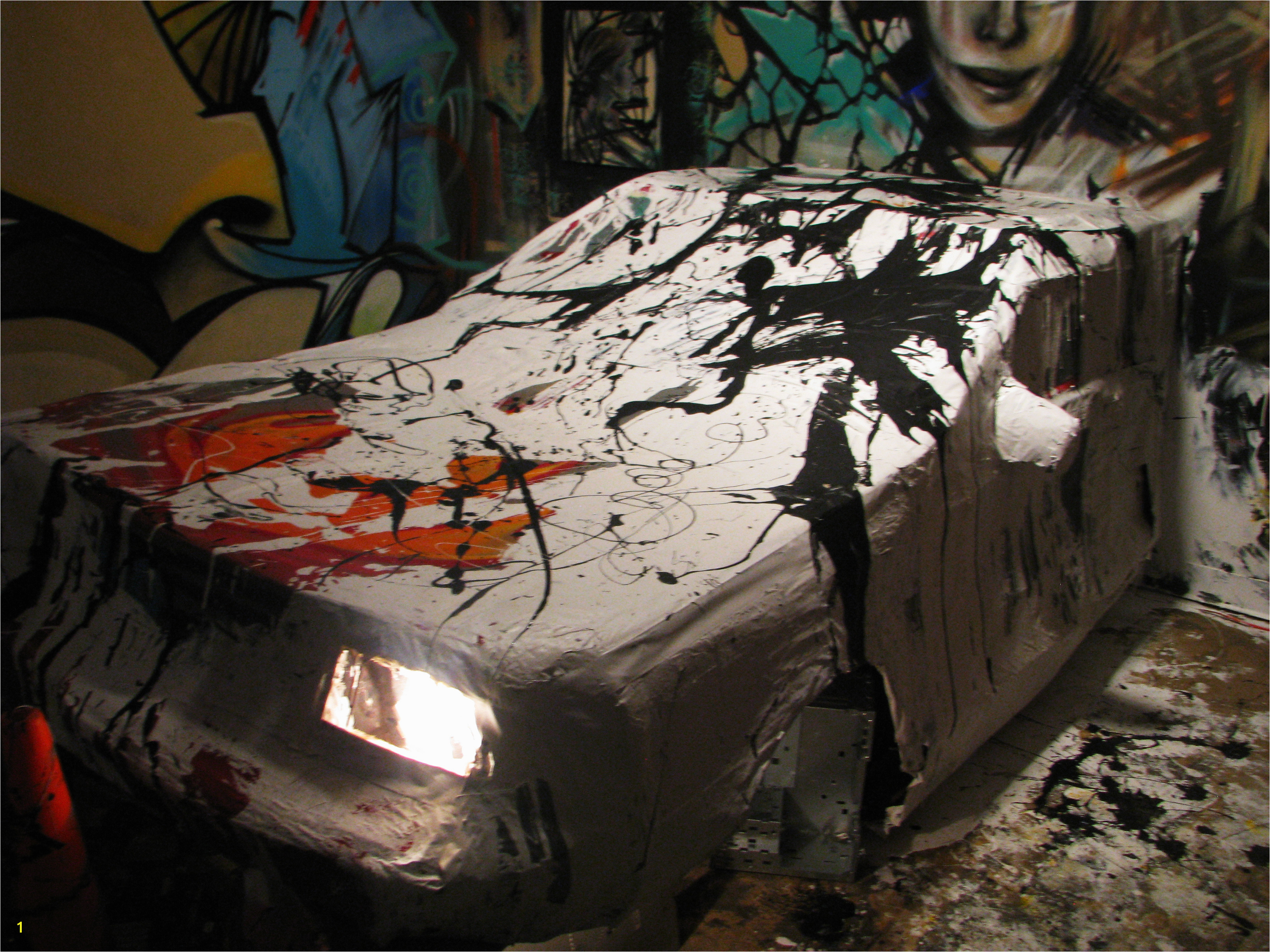 AM – Car & Murals 0d Jackson Pollock Crash