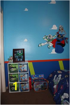 love the walls for a Toy Story room