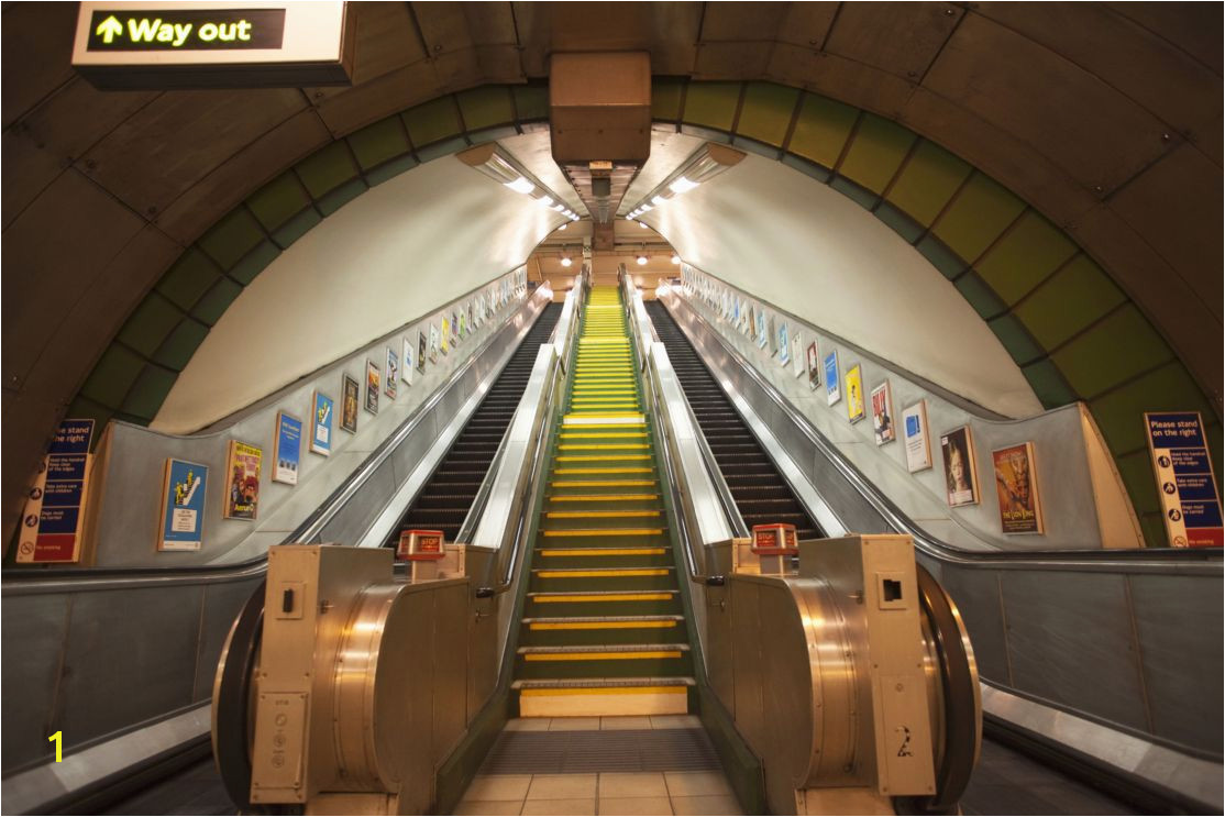 GIANT WALLPAPER WALL SUBWAY TRAIN STATION LONDON UNDERGROUND THEME 1114x743