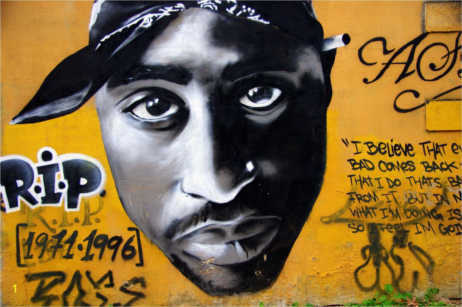 Lisbonne Amoreiras hall of fame graffiti mur tªte Tupac Shakur par Aspen