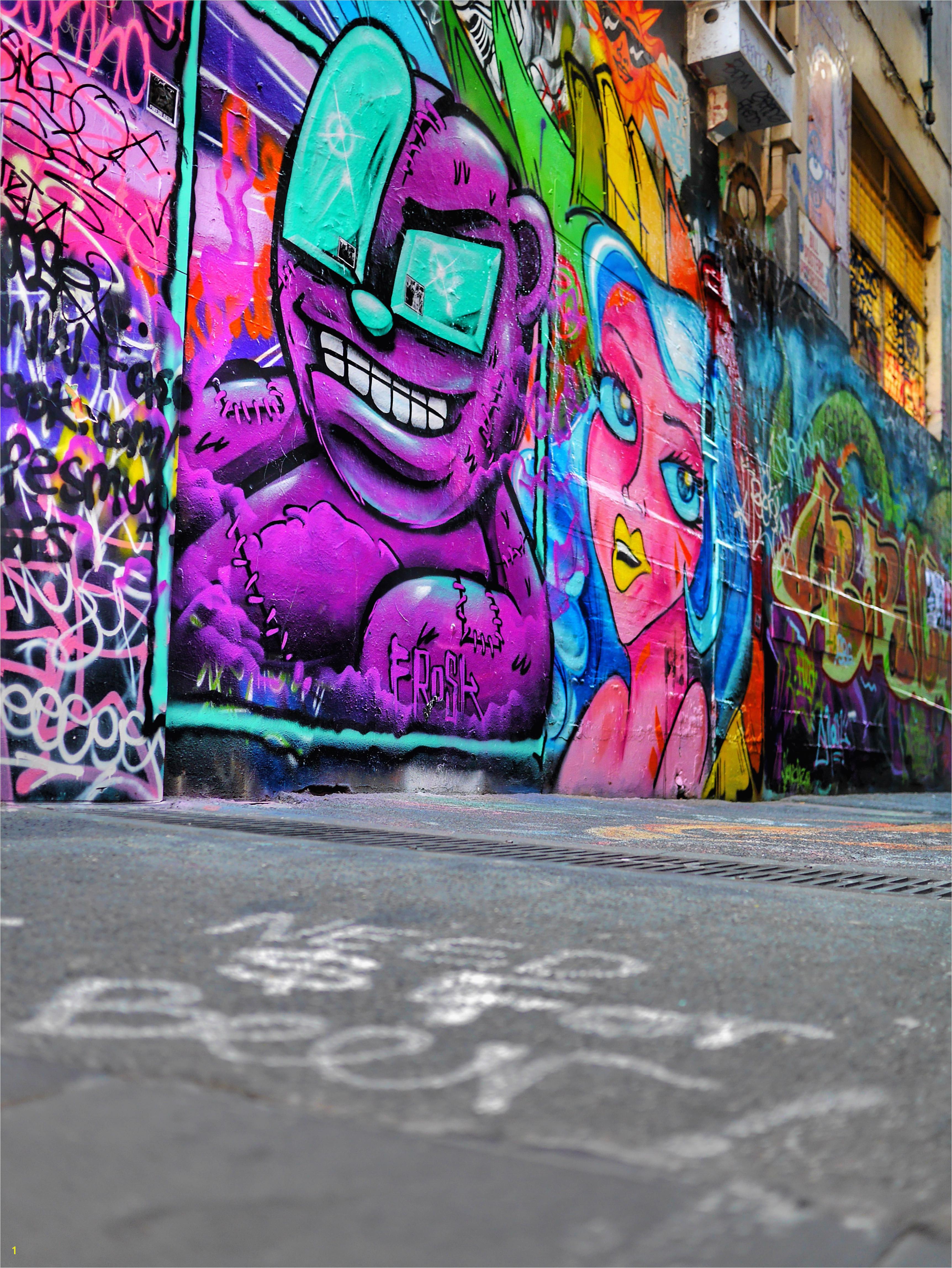 Melbourne CBD best street art Union Lane beer thesweetwanderlust