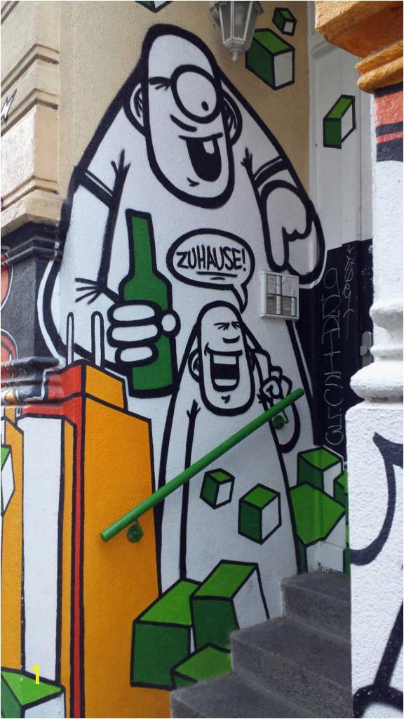 fassade hauswand freaks holzweg rebelzer streetart urban art hamburg karoviertel elbgc3a4ngerin elbgaengerin
