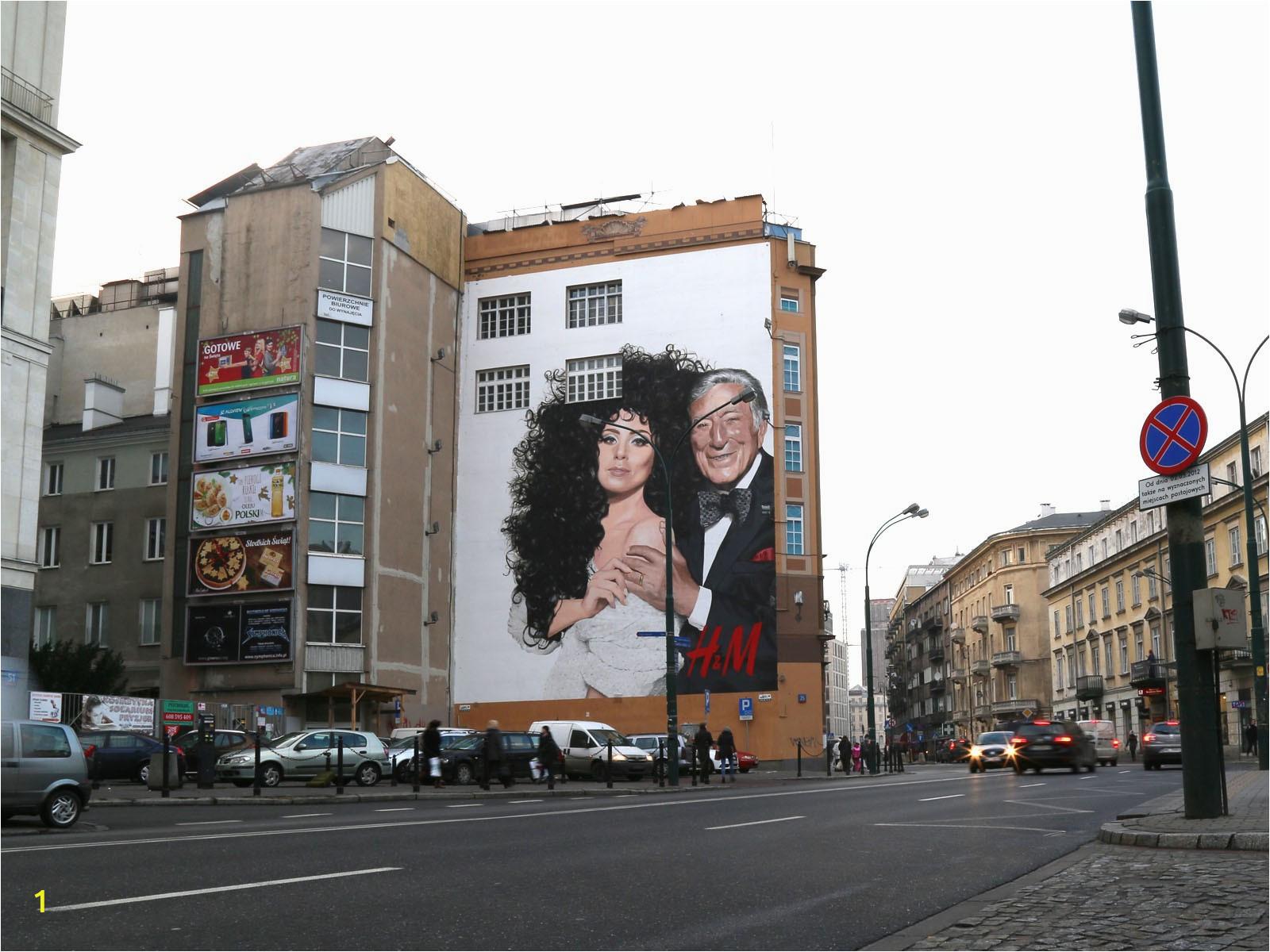 HM Lady Gaga Tony Bennett Mural sciana Bracka w Warszawie auto 1600x3000