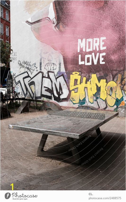 ping pong love stadt graffiti wand liebe sport berlin mauer photocase stock foto gross