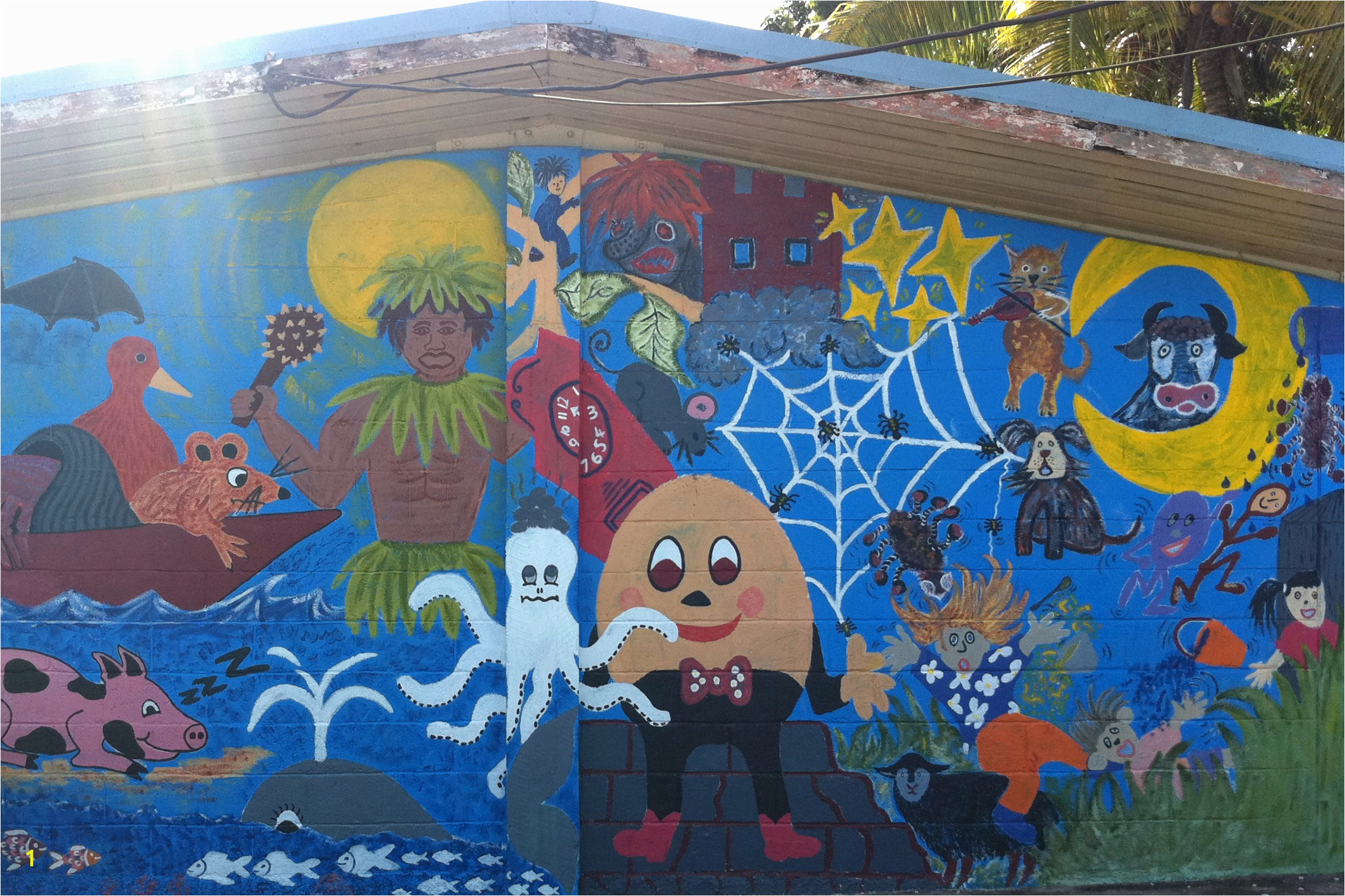 A mural painted on a classroom wall at Niue Primary School 2011 Kye Taylor DFAT %