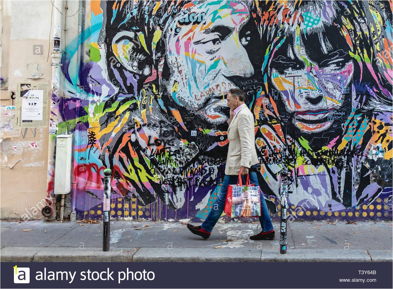 street art fassade von serge gainsbourgs house rue de verneuil august 24 2018 paris frankreich street art fassade de la maison de serge gainsbourg t3y64b