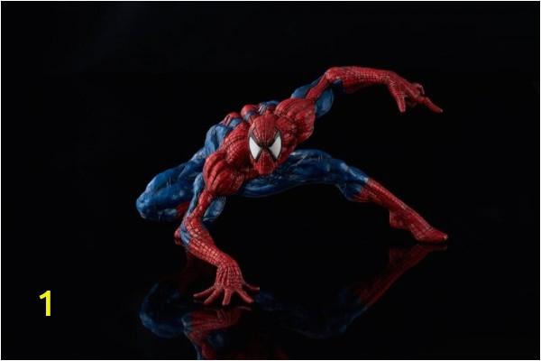 marvel sofbinal statue spider man sen1308x 600x600