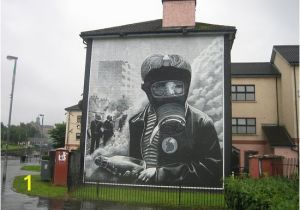 Architectural Wall Murals Wall Mural Derry Picture Of Bogside History tours Derry