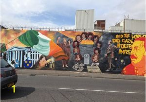 Belfast Wall Murals tour Political Prisoners Mural 1981 Starvation Protest Picture