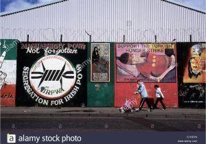 Belfast Wall Murals tour Republican Murals In Belfast northern Stockfotos