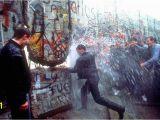 Berlin Wall Mural Kiss Fall Of the Berlin Wall
