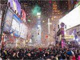 Concert Crowd Wall Mural Eine Million Menschen Feiern Am Times Square