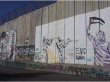 Drawing Murals On Wall Separation Wall Bild Von Banksy S Shop Bethlehem