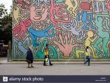 Keith Haring Wall Mural Keith Haring Mural Pisa Stockfotos & Keith Haring Mural Pisa