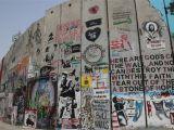 La La Land Wall Mural Unsere Erfahrungen Bei Einem Tagesausflug Nach Bethlehem
