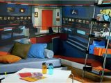 Millennium Falcon Wall Mural Star Trek Mural Transforms Any Room Into Nerd Womb