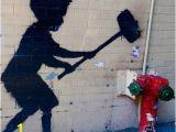 "Mural Painter Nyc Banksy S ""hammer Boy"" New York City Aktuelle 2019 Lohnt Es"