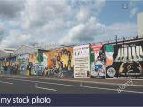Peace Wall Belfast Murals Belfast Peace Wall Graffiti Stockfotos & Belfast Peace Wall