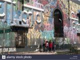 Philadelphia Mural Arts Wall Ball Love Street Art Stockfotos & Love Street Art Bilder Alamy