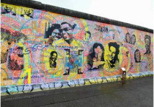 Sejarah Berlin Wall Mural Kiss Nabil Aizat Bin Abdul Rahman Crossing the Berlin Wall