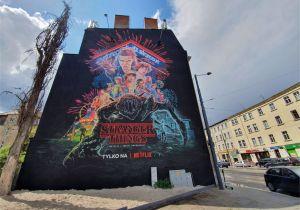"Stranger Things Wall Mural Netflix Powiesił Rower Na Muralu ""stranger Things"