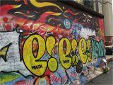 Wall Murals Vancouver Wa Berlin Entlang Der Einstigen Mauer Im Grenzenlosen Spree athen